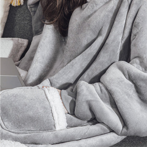 Bedsure Long Wearable Blanket , Sherpa Blanket Hooded , Oversize Blanket Sweatshirt with Deep Pockets and Sleeves for Adults, Grey 5