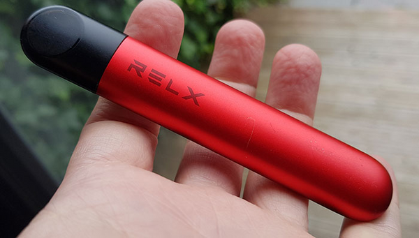 RELX Infinity red front view