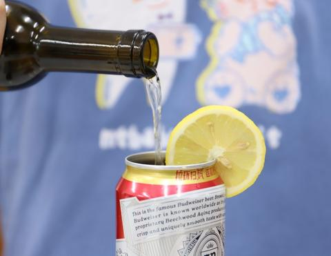 DIY drinks as your flavor with go swing can opener