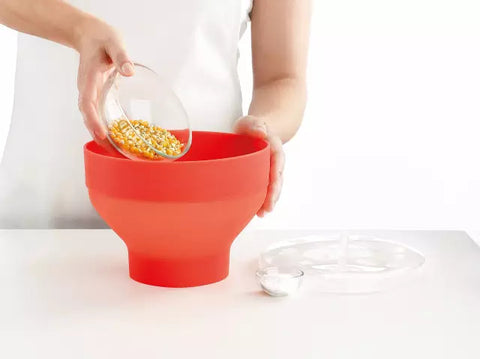 Place the ingredients in a bowl and cover.