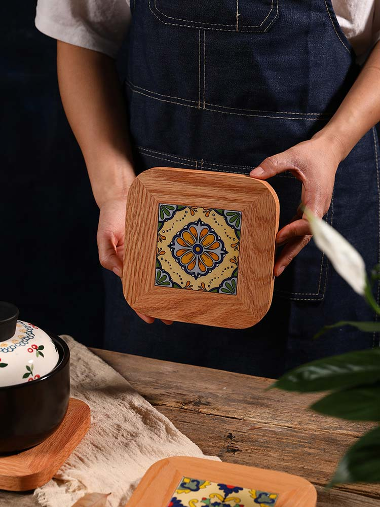 Wooden_Trivet_with_Tile_Embedded_Main_01