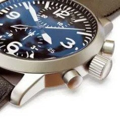 "The ""crown"" and other buttons are usually on the right side of the watch to be easily accessed by dominant (right hand)."