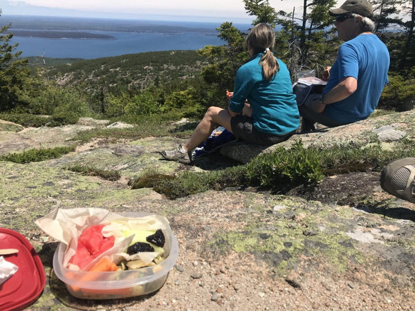 How to Pack the Perfect Picnic in the Backpack