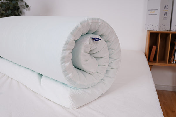 Memory foam topper - easy to roll up