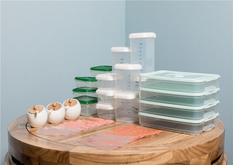 storage boxes and bags for food