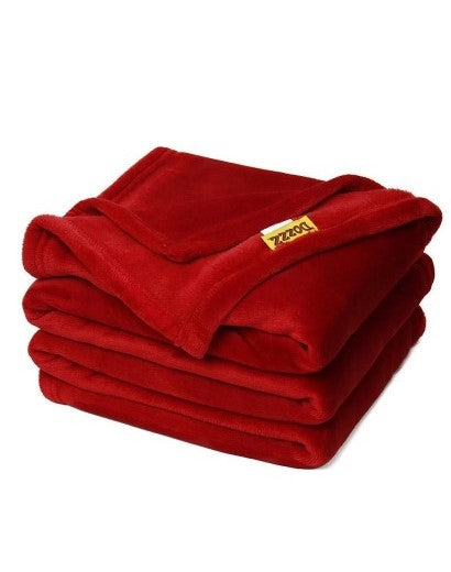 Dozzz Oversize Soft Flannel Throw Blanket Overview 2