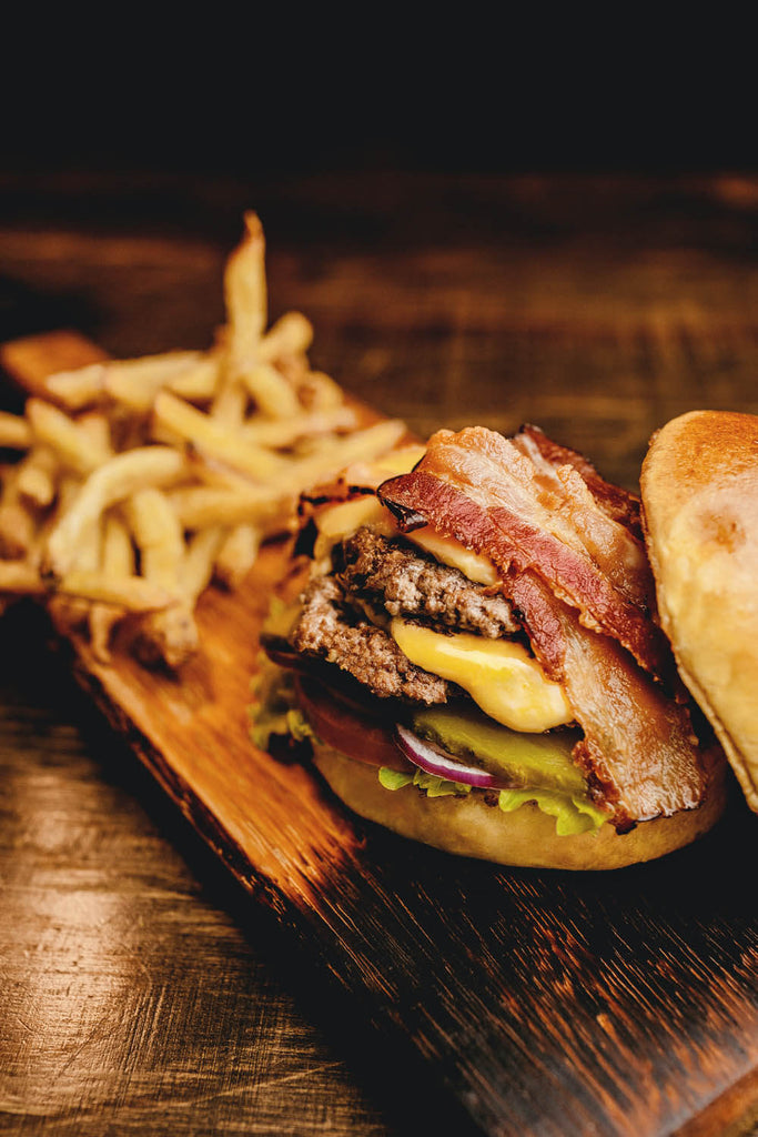 Bacon and burger sandwitch