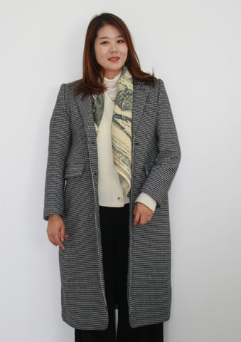wear blanket scarf under coat
