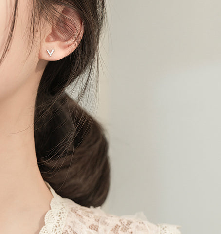 """""""Victory"""" Sterling Silver Earring"""