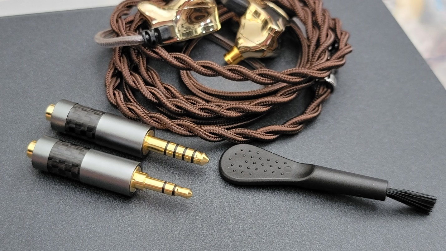 CCZ Plume Cable