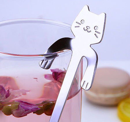 Easy to hang on the side of your cup