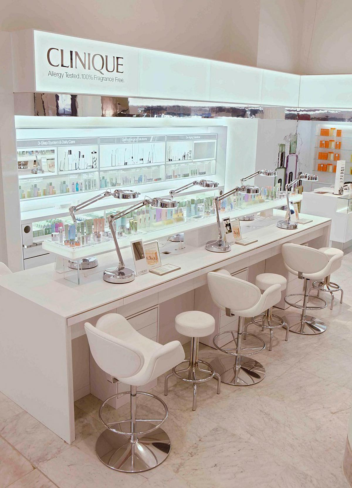 BEAUTY STORES! Clinique shop at Selfridges, London