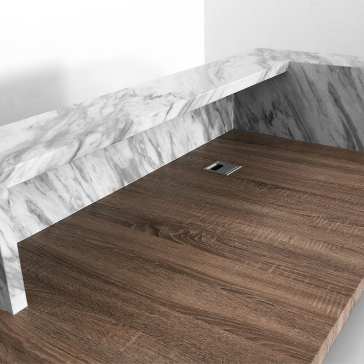 Small objects can be stored inside the signature desk