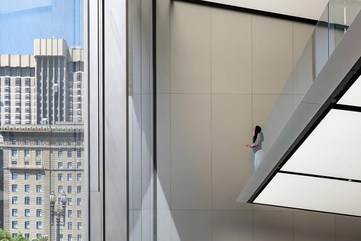 Apple opens green-filled san francisco union square store by foster + partners
