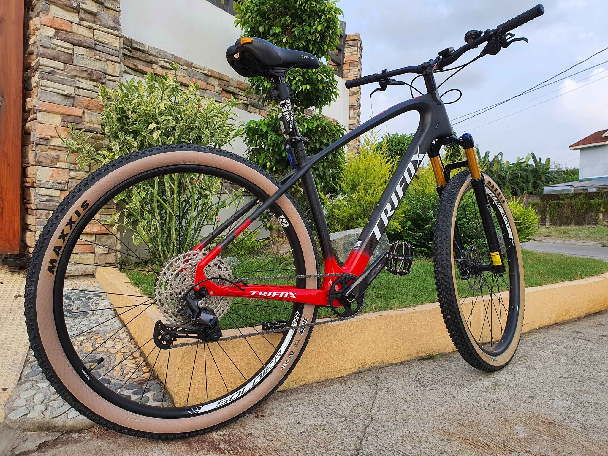 Carbon Fiber Mountain Bike MFM200 Red Glossy