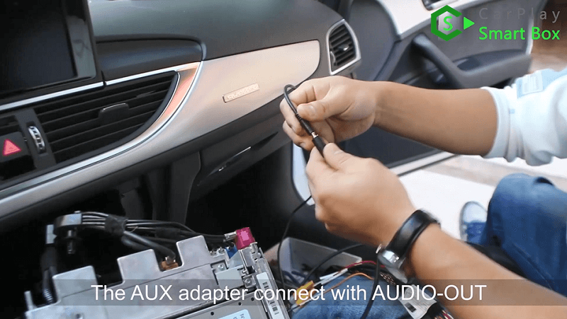 18.The AUX adapter connect with AUDIO-OUT.