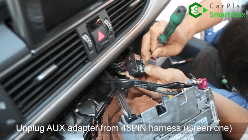 4.Unplug AUX adapter from 48pin harness(Green one).