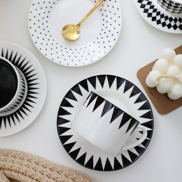 white and black classic cup and saucer set HIMODA