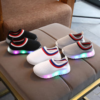 Lighted Sneakers New Slip-on Kids Shoes with Light Tenis LED Infantil for Boys Sport Lighting LED Shoes Children Glowing Sneakers Light Up Trainers
