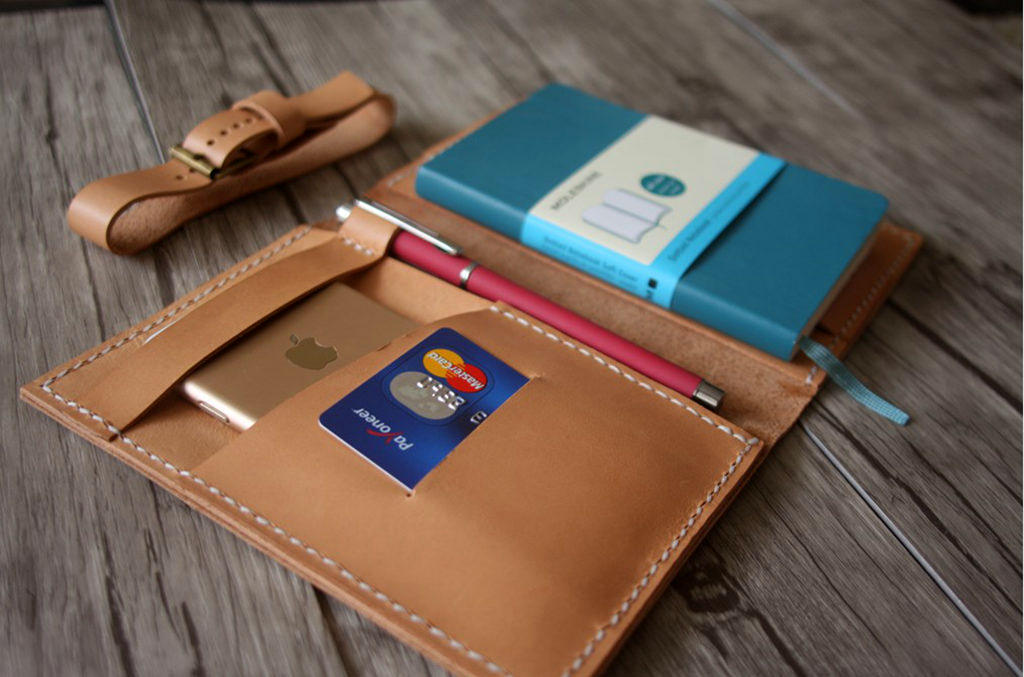 Women's Passport Cover Leather Wallet