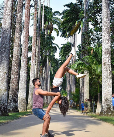 Practicing couple yoga like this can not only lose weight quickly, but also promote relationships!