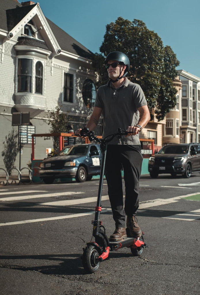varla-electric-scooter-in-the-city