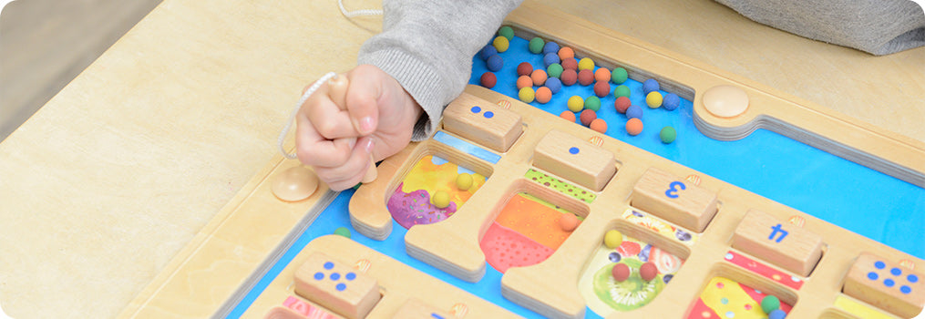 A popsicle-themed 1-10 learning magnetic maze all children will love.