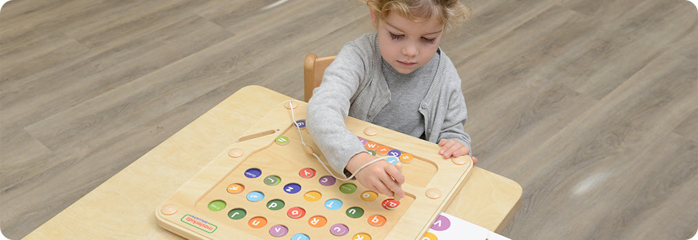Children can learn through playing 6 different games which vary in difficulties.