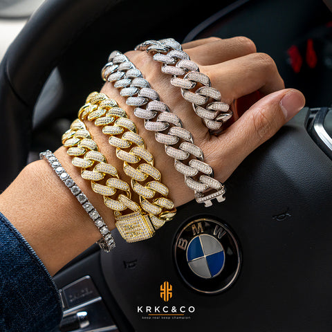 show your jewelry by social media