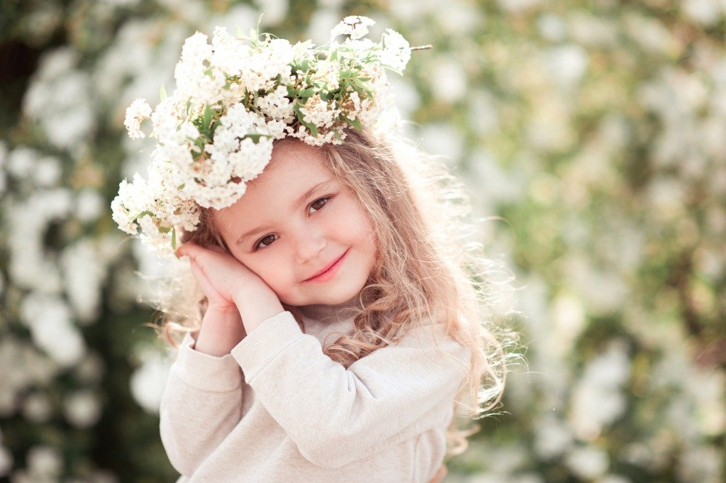 cute-baby-girl-outdoors-picture-id539232146.jpg