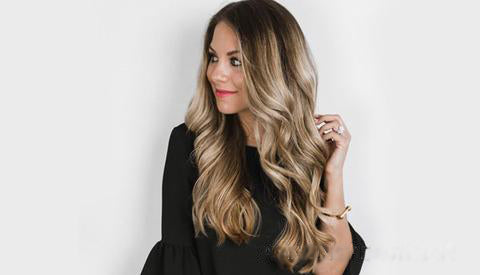 Back to School Hairstyle Loose curls