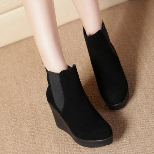 https://www.astarshoes.com/collections/petite-boots/products/small-size-wedge-boots-for-women-bs393