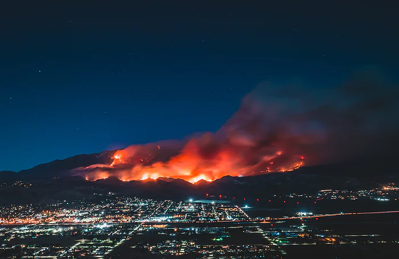Picture 1: Huge fire in southern California